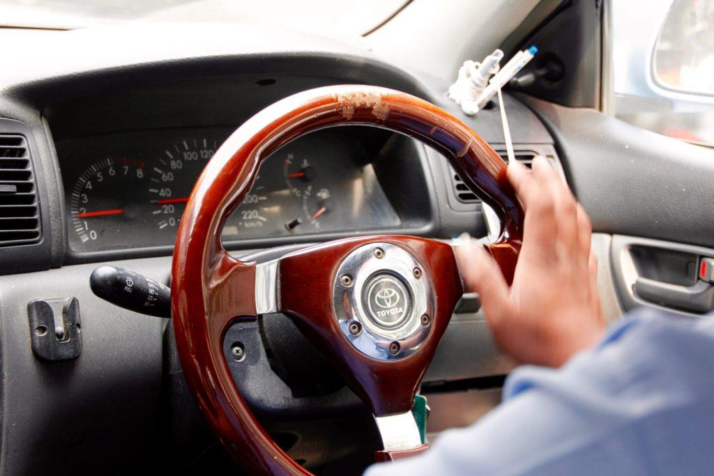 steering-wheel-1128385_1920